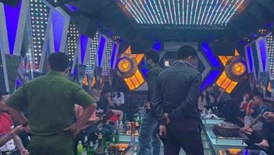 Báo động tình trạng dùng ma túy tập thể trong các quán karaoke