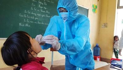 Tiêm chủng trên diện rộng: Ngăn chặn sự lây lan của dịch bạch hầu