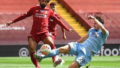 Premier League: Liverpool đứt mạch toàn thắng, Chelsea thua sốc