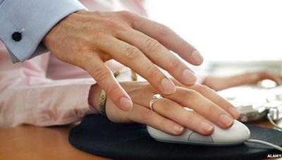 Từ 2021: Bị sa thải nếu có hành vi quấy rối tình dục tại nơi làm việc