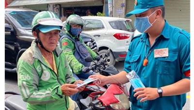 TP Hồ Chí Minh: 'Nhẹ tay' với người không đeo khẩu trang