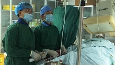 Cứu sống một bệnh nhân ngưng tim ngoại viện