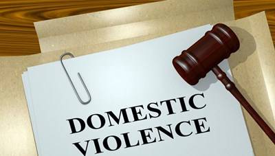 Pháp: Công bố kế hoạch chống bạo lực gia đình