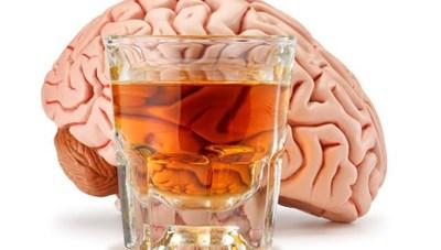 'Bia rượu thụ động': Tác hại hơn uống trực tiếp