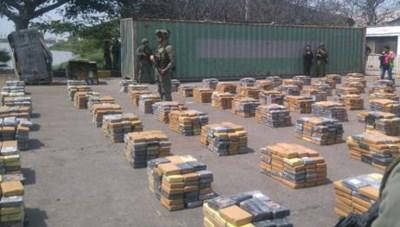 Colombia bắt giữ tàu ngầm vận chuyển ma túy
