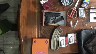 Quảng Nam: Thu giữ nhiều vũ khí nóng trong nhà đối tượng đánh bạc
