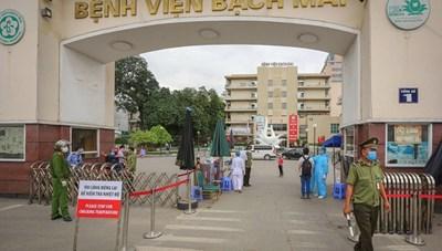 Chủ tịch Hà Nội yêu cầu: Cách ly ngay những người từng khám tại Bệnh viện Bạch Mai từ 10/3 đến nay