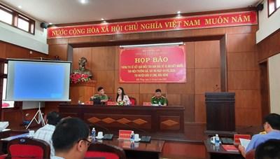 Vụ cháy xe bán tải trên đường: Công an Đắk Nông nói gì về nghi phạm là Bí thư Đảng ủy xã?