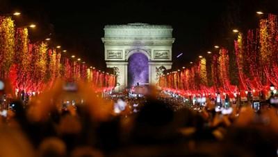 [ẢNH] Chiêm ngưỡng thủ đô các nước lộng lẫy đón Giáng sinh