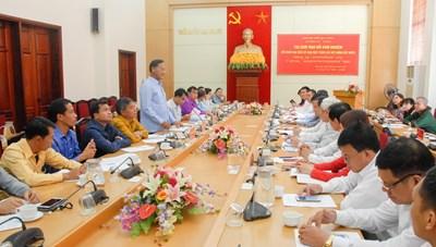 Đoàn cán bộ Ủy ban Mặt trận Lào xây dựng đất nước tọa đàm trao đổi kinh nghiệm tại TP Hạ Long