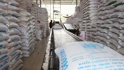 Thanh tra Bộ Tài chính lên tiếng việc gửi gạo không đúng quy định