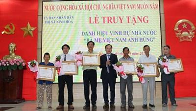 Truy tặng danh hiệu Bà mẹ Việt Nam Anh hùng
