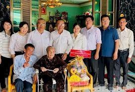 TP Hồ Chí Minh:Thăm, chúc tết các Mẹ Việt Nam anh hùng