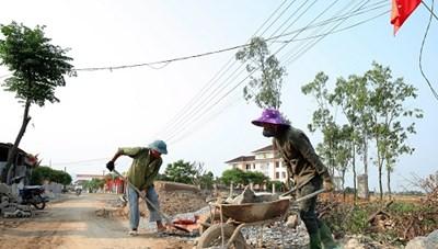 Người dân xã A Xing hiến đất xây dựng nông thôn mới