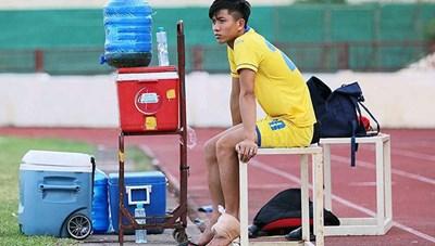 Phan Văn Đức chấn thương, HLV Park Hang Seo lo lắng