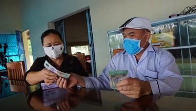 Chuyện thương binh nặng góp tiền chống dịch
