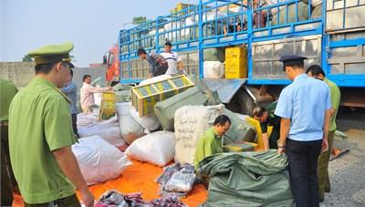Yêu cầu Lạng Sơn kiểm điểm trách nhiệm để hàng lậu lọt qua biên giới