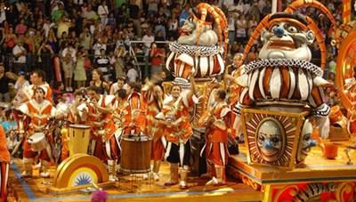 Argentina - thác nước Iguazu và lễ hội Carnival