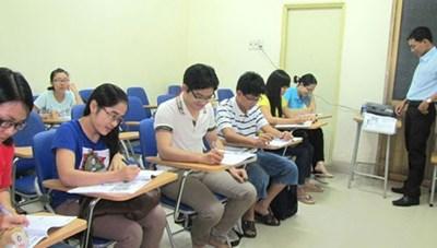 Có tính hưởng phụ cấp thâm niên thời gian đi học nước ngoài?