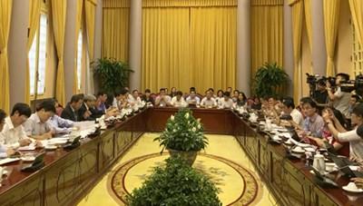Công bố Nghị quyết lùi thi hành Bộ luật Hình sự 2015