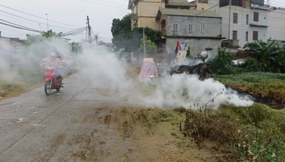 Đốt rơm rạ sau thu hoạch: Lãng phí, hại môi trường