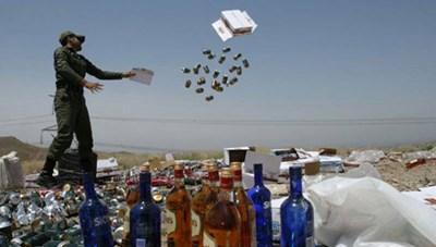 Hàng chục người tử vong do ngộ độc rượu ở Iran