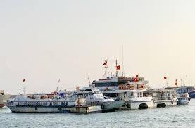 Hàng loạt tàu cao tốc tuyến Sa Kỳ - Lý Sơn vắng khách nằm bờ