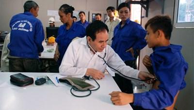 Hưởng chế độ bảo hiểm tai nạn lao động tự nguyện: Cần tham gia BHXH tối thiểu 12 tháng