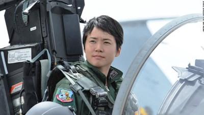 Nhật Bản có nữ phi công chiến đấu cơ đầu tiên