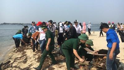 Quảng Nam: Phát động chương trình 'Hãy làm sạch biển'