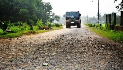 Sơn Tịnh (Quảng Ngãi): Dân kêu trời vì đường xuống cấp