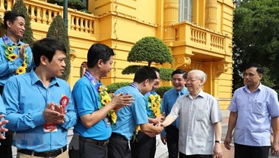 Tổng Bí thư, Chủ tịch nước gặp mặt đại biểu cán bộ công đoàn tiêu biểu