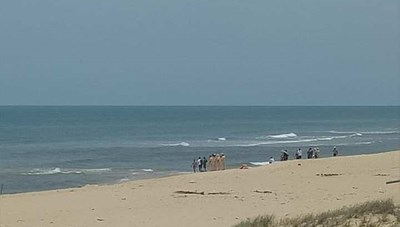 Quảng Bình: Tắm biển, nam thanh niên bị sóng cuốn trôi mất tích