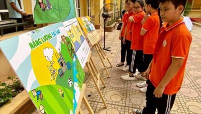 Hà Nội: Trường học đầu tiên lắp công trình điện mặt trời mái nhà