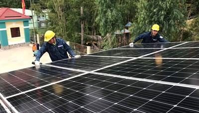 Cú hích phát triển điện mặt trời mái nhà