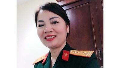 Nữ quân nhân trả lại hơn 1.200 USD