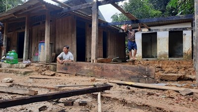 Mặt trận Trung ương gửi điện thăm hỏi các tỉnh bị thiệt hại do bão số 5