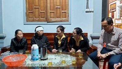 MTTQ tỉnh Nghệ An trao quà cho thân nhân 4 liệt sĩ hy sinh tại Rào Trăng 3