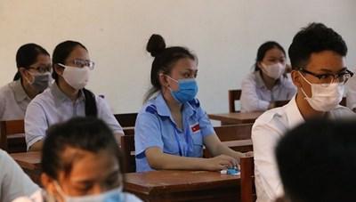 100 thí sinh Lào dự thi tốt nghiệp THPT tại Quảng Bình