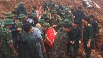 Tìm thấy 12 thi thể trong vụ sạt lở núi tại Đoàn Kinh tế 337