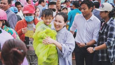 Trao gần một ngàn phần quà hỗ trợ các hoàn cảnh khó khăn tại Phú Quốc