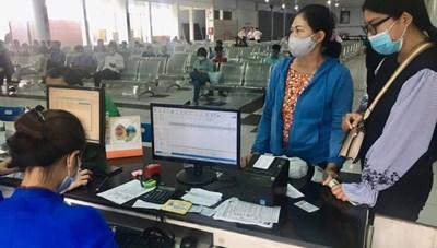 Thưa thớt khách mua vé tàu tết Tân Sửu 2021
