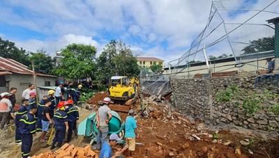 Đắk Nông: Sập bờ kè đang thi công, một người thiệt mạng