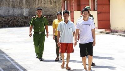 Hà Tĩnh: Phá đường dây lô đề lớn, thu giữ nhiều hàng 'nóng'