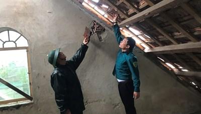 Hà Tĩnh: Bão số 5 gây lốc xoáy, gần 100 nhà dân tốc mái