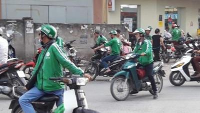 Nữ lái xe ôm công nghệ nghi lừa đón học sinh trường Trưng Vương