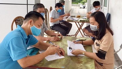 BẢN TIN MẶT TRẬN:  60 trường hợp huyện Lạc Sơn (Hòa Bình) đã hoàn trả lại tiền hỗ trợ Covid-19 nhận không đúng tiêu chí