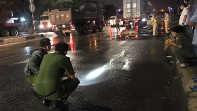 Bình Dương: Nam công nhân bị xe container cán chết thương tâm