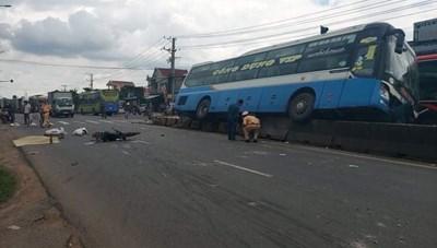Đồng Nai: Xe khách tông liên hoàn, hành khách hoảng loạn
