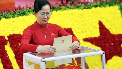 Bà Lê Thị Thủy tái đắc cử chức bí thư Tỉnh ủy Hà Nam